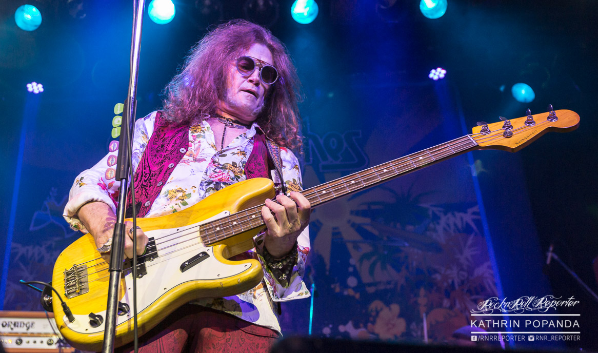 Glenn Hughes in Action